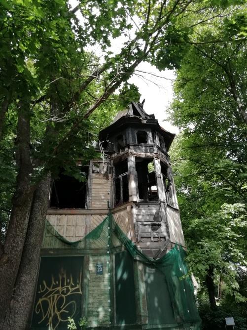 abgebrannte Villa bei Jurmala